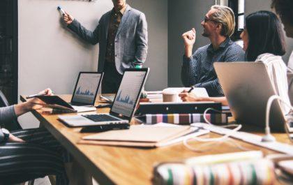 entrepreneurs-brainstorming-